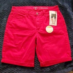 Red Bermuda Lee shorts